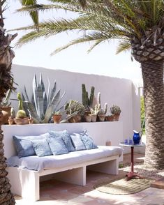 Jade Jagger, Rolling Stones frontman's daughter, was living for several years in Ibiza. Currently, Jagger moved to Formentera island eleven Km south of Ibiza. Jade Jagger, Outdoor Lounge, Outdoor Spaces, Outdoor Living, Outdoor Decor, Ibiza, Mediterranean Garden Design, Casa Cook, Home And Garden Store