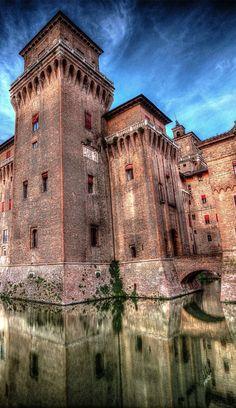 Estense castle, Ferrara, Italy (Photographer: Mauro Cordioli)