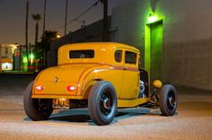 Hot Rods 338262621993729622 - 1931 Ford Five-Window Coupe is a Labor of Love for an Entire Hot Rodding Community Source by vonwob Chevy Pickups, Chevy Camaro, Chevelle Ss, Rat Rod Girls, Custom Cars, Custom Stuff, Ford Roadster, Traditional Hot Rod, Classic Hot Rod