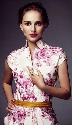 Natalie Portman, America's Sweetheart. Floral dress, cap sleeve, collar.  #wardrobechallenge