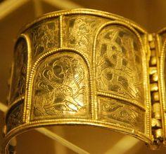 Bracelets from the Ryazan Russian treasures. XII-XIII centuries