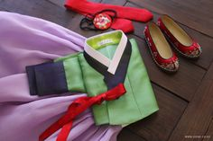 Korean Hanbok, Korean Dress, Korean Traditional Dress, Traditional Dresses, Asian Fashion, Dress Brands, Textiles, Awesome, Classic