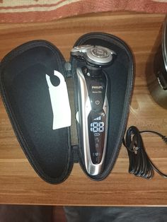 Simones Produkttest: Philips Shaver Serie 9000