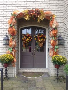 Thanksgiving /Fall outdoor deco mesh garland. My decor for my parents front door this year.