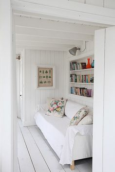 Beautiful beach house situated behind dunes of Camber Sands Open plan kitchen/dining/living space Kitchen with island and . Beach Cottage Style, Beach Cottage Decor, Open Plan Kitchen Dining, Space Kitchen, Kitchen Island, Beautiful Beach Houses, Boho Home, Living Spaces, Living Room