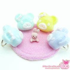 Kawaii pastel resin teddy bear rings ^^ www.bunnykawaii.com