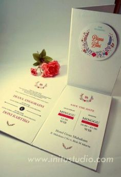 Simple and modern weeding invitation