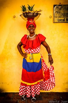 "A beautiful Palenquera, from my country: Colombia. / Photo ""Palenquera"" by David Juan Caribbean Culture, Caribbean Art, African American Artist, American Artists, Colombian Culture, Pan Africanism, Jewelry Wall, Ap Studio Art, India Culture"