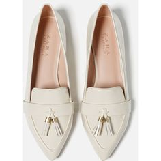 Zara Tasselled Loafers ($30) ❤ liked on Polyvore featuring shoes, loafers, polyurethane shoes, tassle loafers, tassel shoes, loafer shoes and zara shoes