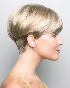 "How to style the Pixie cut? Despite what we think of short cuts , it is possible to play with his hair and to style his Pixie cut as he pleases. For a hairstyle with a ""so chic"" and pointed… Continue Reading → Short Hairstyles For Thick Hair, Short Hair Cuts For Women, Curly Hair Styles, Natural Hair Styles, Teen Hairstyles, Fancy Hairstyles, Black Hairstyles, Medium Hairstyles, Short Cuts"