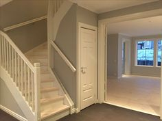 Cottage Staircase, House Stairs, Villa, Under Stairs, Kitchen Design, House Ideas, Foyers, Home Decor, Tips