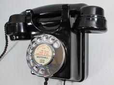 Vintage Rings, Vintage Items, Telephone Exchange, Antique Phone, Vanilla Perfume, Retro Phone, Vintage Phones, Old Phone, Old Things
