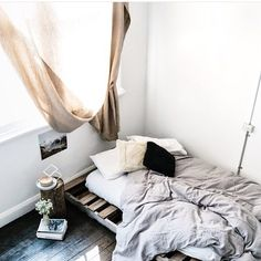 Sunday morning sleepi ins never looked so good ..... Thanks for the image inspo @stephanie_somebody x #sllep #beautifulbed #style #interiorstyling