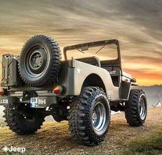 """waggledit: """"LOVIN' THE OLD SCHOOL JEEPS WITH A LITTLE BIT OF MODERN PARTS!!! """""""