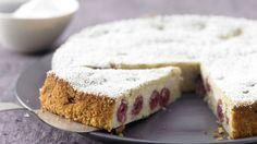 Super saftiger Grießteig mit Sauerkirschen : Ricotta-Quark-Kuchen mit Sauerkirschen | http://eatsmarter.de/rezepte/ricotta-quark-kuchen