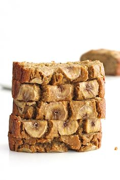 Flourless Banana Bread 3 medium ripe bananas 2 cups old-fashioned oatmeal 2 large eggs ¼ cup pure maple syrup 1 teaspoon baking soda Patisserie Sans Gluten, Dessert Sans Gluten, Gluten Free Desserts, Dessert Recipes, Flourless Banana Bread Recipe, Healthy Banana Bread, Banana Bread Recipes, Loaf Recipes, Healthy Baking