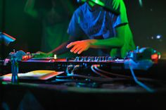 Male DJ at record decks in nightclub,Japan Gramophone Record, Urban Hip Hop, Soft Autumn, Dj Music, Nightclub, Decks, Vinyl Records, Pop Culture, Japan