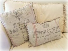 Great pillow idea (from Katies Rose Cottage Designs Blog) to go with a white or cream couch. Full URL:   http://3.bp.blogspot.com/_OoUUTrFTb7E/TRFFeve9amI/AAAAAAAADtE/AAu-jhR6ey8/s800/LR%252Bcouch.jpg