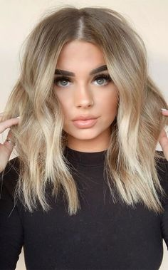 Blonde Hair Looks, Blonde Hair With Highlights, Brown Blonde Hair, Hair Color Balayage, Subtle Balayage, Black Hair, Blonde Hair Ideas For Short Hair, Blonde Hair For Brown Eyes, Blonde Hair Long Bob