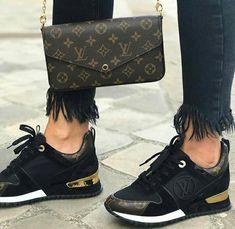Louis Vuitton Handbags 2016 Hot Sale LV Handbags Outlet Save For You! Louis Vuitton So Cheap! Lv Shoes, Cute Shoes, Me Too Shoes, Shoe Boots, Baskets Louis Vuitton, Pochette Louis Vuitton, Lv Sneakers, Sneakers Fashion, Fashion Shoes