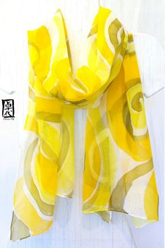 Silk Scarf Handpainted Yellow MOD Swirl. por SilkScarvesTakuyo, $70.00