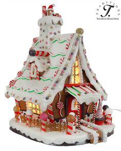 Ideas Diy Christmas Box Gingerbread Houses For 2019 Gingerbread House Patterns, Gingerbread Christmas Decor, Gingerbread House Parties, Gingerbread Village, Christmas Home, Christmas Crafts, Christmas Decorations, Candy House, Christmas Village Houses