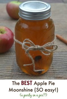 Apple Pie Moonshine Easy DIY Apple Cider Moonshine<br> Easy recipe for the best Apple Pie Moonshine - Be the life of the party and make this Apple Pie Moonshine Makes a great food gift as well! Apple Pie Moonshine, Homemade Moonshine, How To Make Moonshine, Moonshine Whiskey, Apple Pie Shots, Apple Pie Drink, Apple Pie Liquor Recipe, Easy Apple Wine Recipe, Apple Pie Vodka