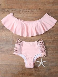 Bikini set only, any other accessories not included. 1 x Bikini top. 1 x Bikini bottom. A set of bra & briefs. Summer Bathing Suits, Girls Bathing Suits, Flounce Bikini, Floral Bikini, Cute Swimsuits, Cute Bikinis, Bikini Volante, Summer Outfits, Cute Outfits