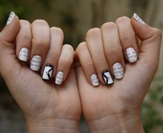 http://www.rougeframboise.com/beaute/newspaper-nail-art-en-3-etapes