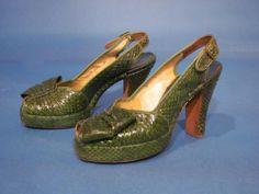 1940s WWII Swing Era / GREEN SNAKESKIN / Platform Slingback Peep Toe Shoes