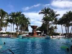 The pool at Loews South Beach hotel and resort. Top 10 Bachelorette Party Ideas – Miami.
