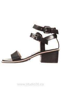 65f05d7d6603 90 Best shoes images
