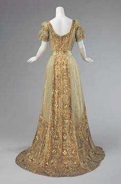 Callot Soeurs, evening dress, 1911-14. Photo: Metropolitan Museum of Art.