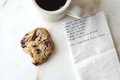 Supersaftig gulrotkake ( glutenfri) - Passion For baking Homemade Chocolate Chips, Chocolate Chip Cookies, Cinnamon Roll Cookies, Walnut Cookies, People Eating, Everyday Food, Christmas Baking, Delish, Fudge