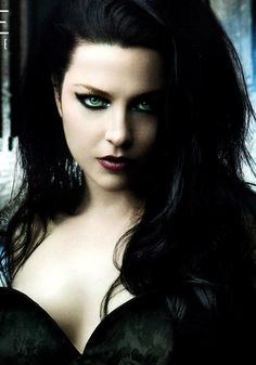 (The most incredible eyes I've ever seen ! ).........Amy Lee....the voice, the style and the look. sexy package