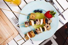 Słodki szaszłyk na talerzyku z kolorowej kolekcji PALETTE <3 Waffles, Breakfast, Food, Morning Coffee, Essen, Waffle, Meals, Yemek, Eten