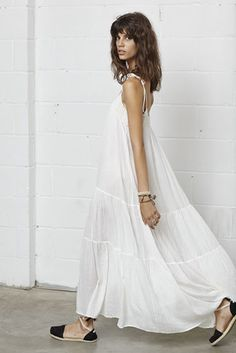 Boho Summer: white flowy Maxi dress