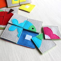 Small felt puzzle squares for quiet book Diy Quiet Books, Baby Quiet Book, Felt Quiet Books, Sewing Projects For Kids, Sewing For Kids, Diy For Kids, Baby Crafts, Felt Crafts, Baby Diy Toys