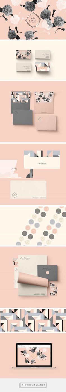 New in Portfolio: Laura Sawyer Photography Brand Identity by Cocorrina | Fivestar Branding Agency – Design and Branding Agency & Inspiration Gallery