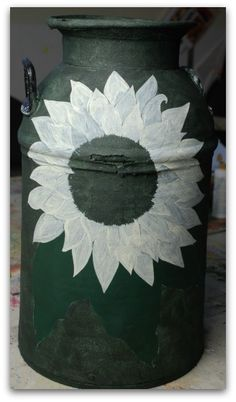 An antique milk can decorative painting project from start to finish. Decorative Painting Projects, Tole Painting Patterns, Antique Milk Can, Painted Milk Cans, Old Milk Jugs, Bead Board Walls, Diy Arts And Crafts, Flower Pots, Art Decor