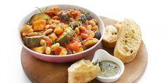 Toscaanse groentestoof // knolselderij, wortel, courgette, witte bonen, zwarte olijven