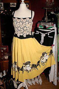Wunderschönes altes Original bei 'extraschön' Designer, Formal Dresses, How To Wear, Fashion, Guys, Nice Asses, Dresses For Formal, Moda, Formal Gowns
