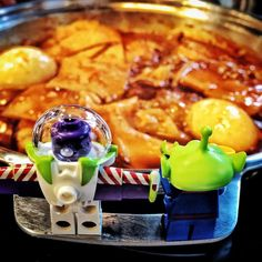 So this is what earth people eat. Looks super spicy !! . #lego #legostagram #legos #legodisney #legodisneyminifigures #disney #disneyminifigures #toy #toys #toys4life #toystagram #toyslagram #legophotography #disneyfan #toystory #buzzlightyear #oldfriends #newfriends #spicy #hot #soup by lucwen2016