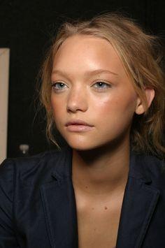 Gemma Ward, Natural Bronzed Makeup.