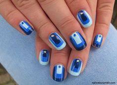 Blue gradients color block nail art