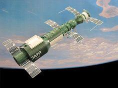 La Salyut 1 con una Soyuz acoplada