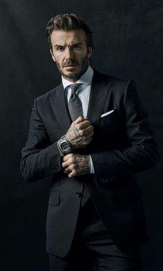 Portrait of David Beckham Pose Portrait, Portrait Photography Men, Photography Poses For Men, Business Portrait, Corporate Portrait, Corporate Headshots, Handsome Men Quotes, Handsome Arab Men, Terno Slim Fit