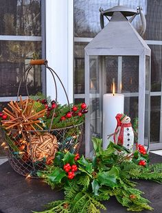 Worthing Court Christmas Home Tour Christmas Lanterns, Christmas Tree Design, Christmas Porch, Merry Little Christmas, Christmas Centerpieces, Christmas Love, Country Christmas, Beautiful Christmas, All Things Christmas