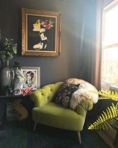 Home Design Ideas: Home Decorating Ideas Cozy Home Decorating Ideas Cozy That picture in the gold frame would be a cool tattoo Cozy Home Decorating, Interior Decorating, Decorating Ideas, Decor Ideas, Decorating Websites, Decor Scandinavian, Deco Originale, Piece A Vivre, Bohemian Interior