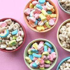 Start your day with the original, gluten free Lucky Charms oat cereal, mixed with delicious marshmallows. Careful sifting process for a perfect breakfast! Marshmallow Cereal, Lucky Charms Marshmallows, Lucky Charms Cereal, Oat Cereal, I Want Food, Perfect Breakfast, Dessert Recipes, Desserts, Food Photography